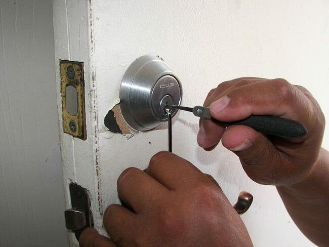 Locksmith in Stratford